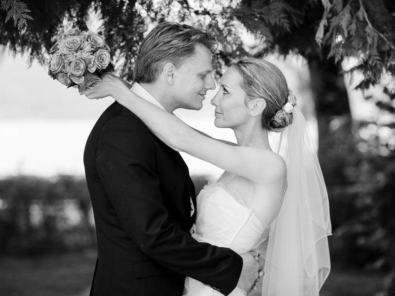 Hochzeitsfotograf München Empfehlung -  Beim Fotoshooting richtig gut in Szene gesetzt