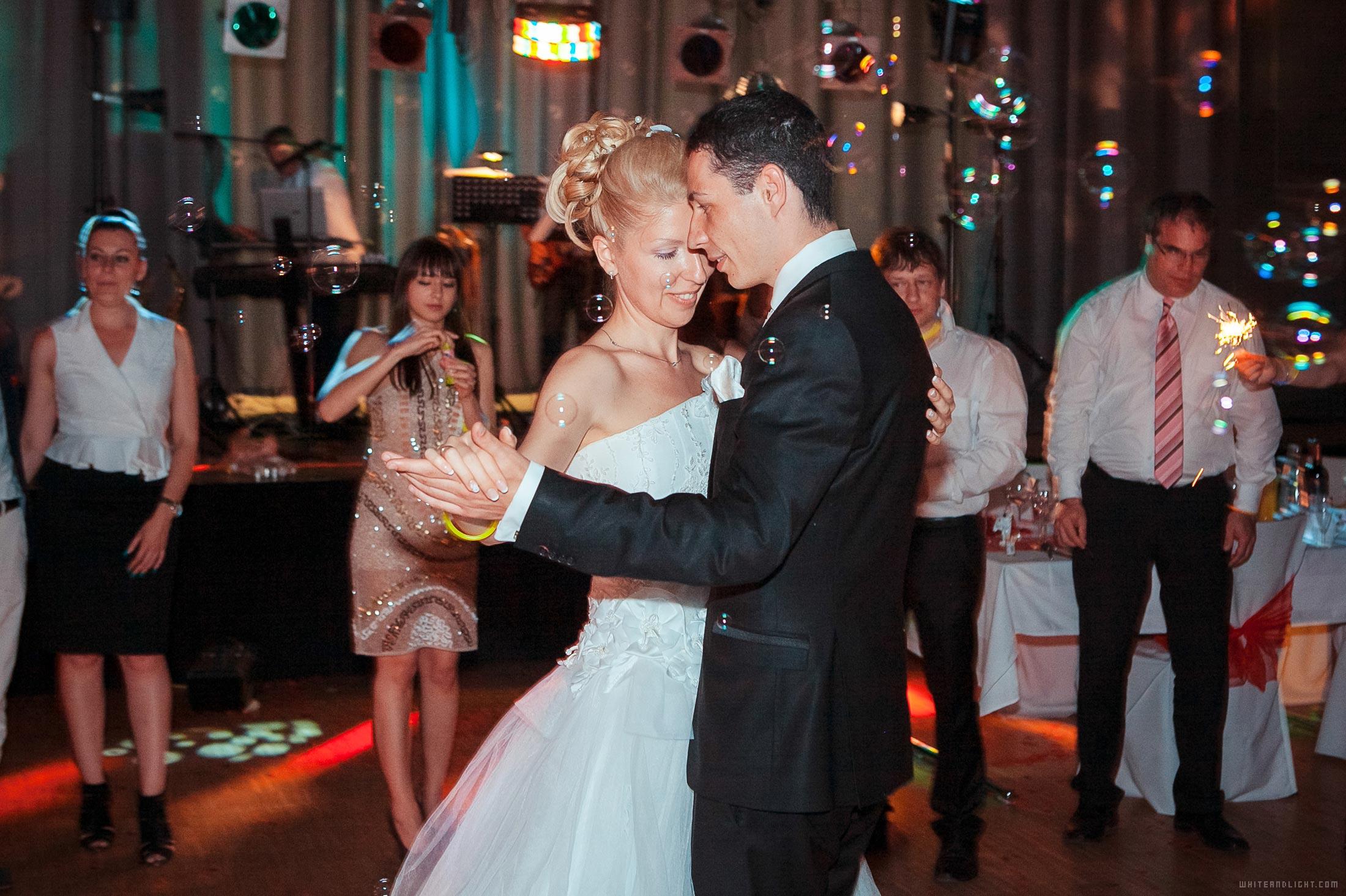 wedding photographer cost per hour
